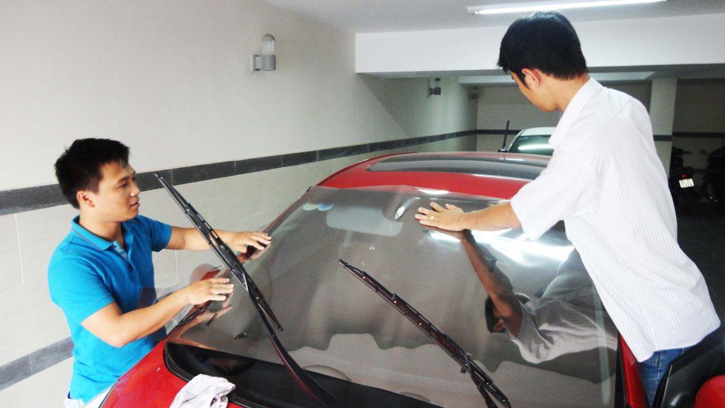 dán phim cách nhiệt tphcm cho ô tô